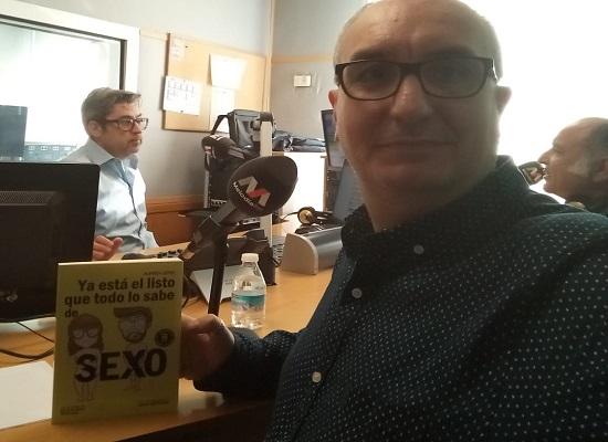 Alfred López explica curiosidades del libro 'Ya está el listo que todo lo sabe de SEXO' en 'Despiértame Juanma' de Melodía FM